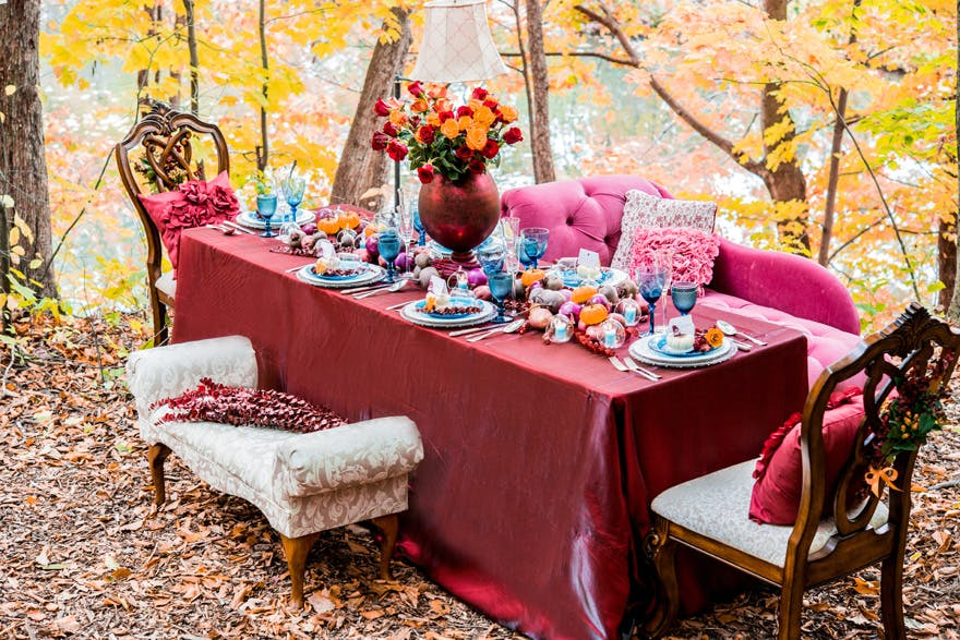 Autumn Red Wedding Tablescape and Autumn Wedding Place Settings | Confetti.co.uk