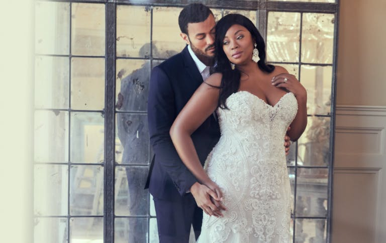 wedding dresses for curvy brides