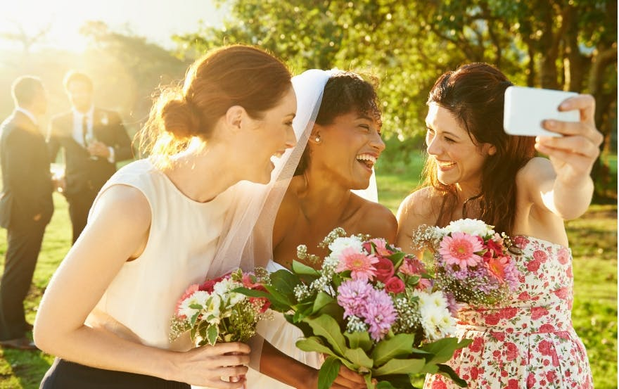Bride with bridesmaids on a budget