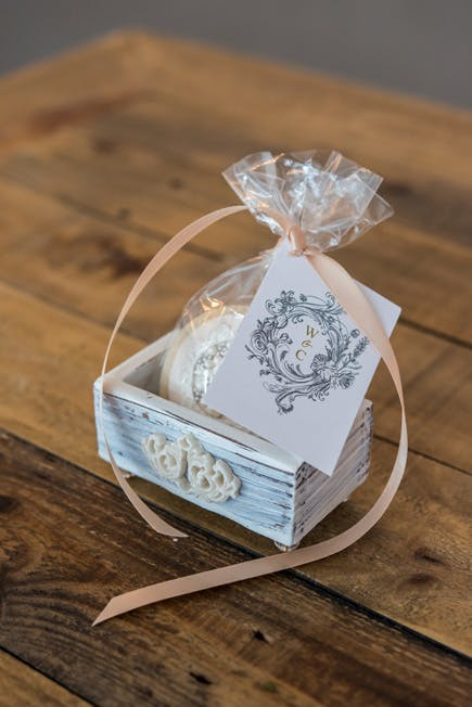 Pretty Biscuit Wedding Favour with Jewel Footed Favour Box and Antique Chic Card - Beautiful Favour Box Ideas | Confetti.co.uk