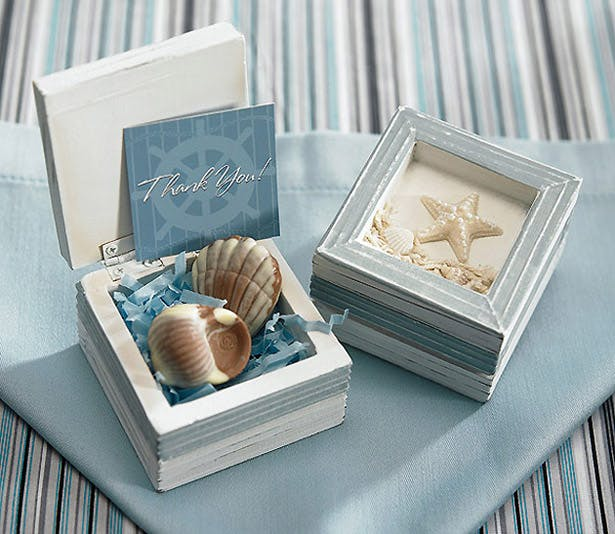 Beach wooden favour box