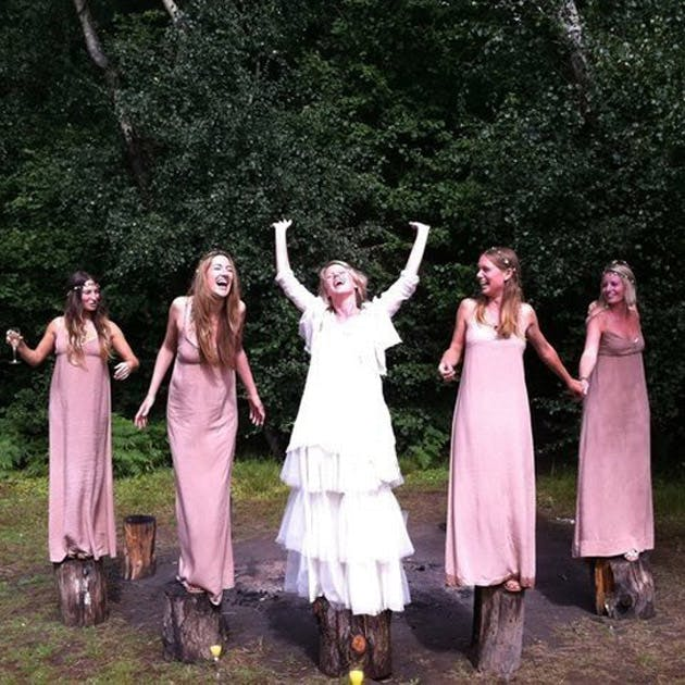 Rustic theme bride and bridesmaids photography