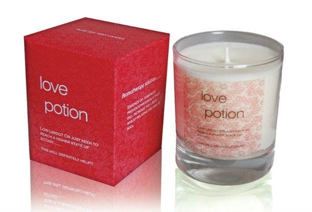 Love potion aromatherapy candle