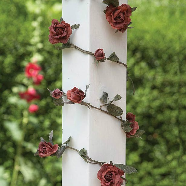 Country Rose Garland