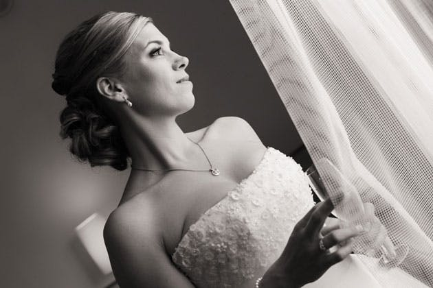 Brides black and white portrait by Yes I do Algrave photography