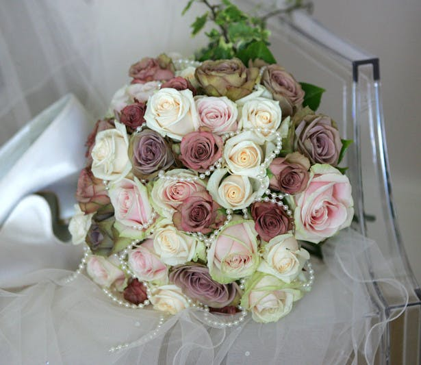 Just Your Style vintage style flower bouquet with roses and pearls