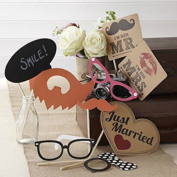 Vintage Affair Photo booth props by Confetti