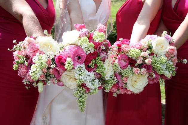 Pink and white wildflower wedding bouquets | Ava Images | Confetti.co.uk