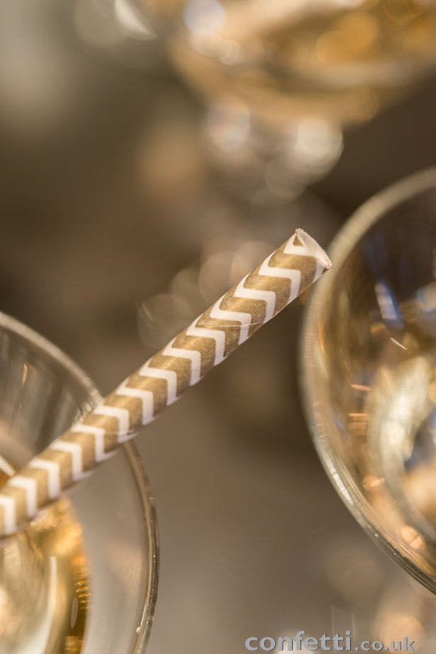 Gold chevron sipper straws from www.confetti.co.uk
