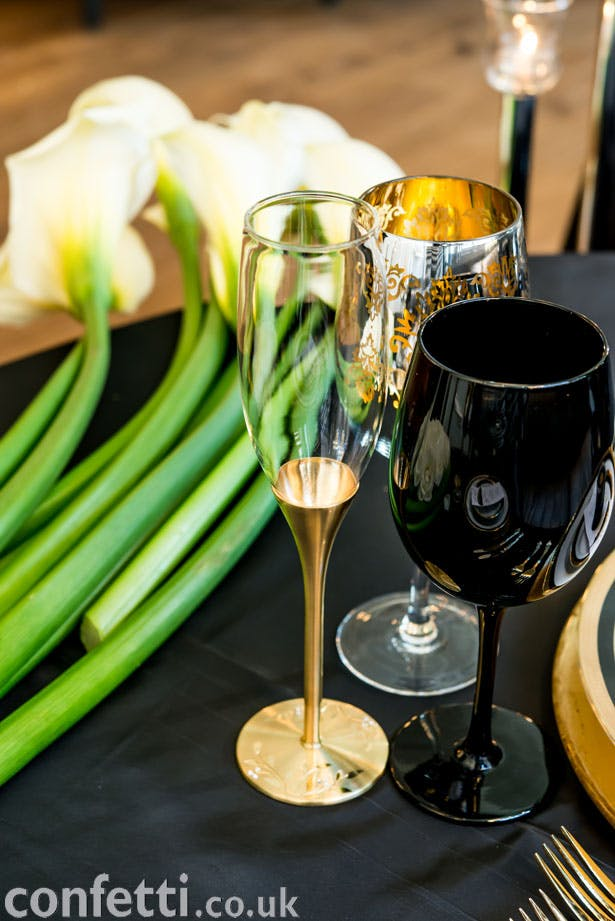 An elegant and classy art deco drinks reception setting