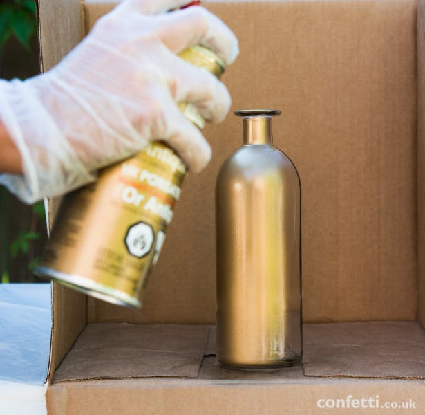 Apply a second coat of spray paint | Confetti.co.uk
