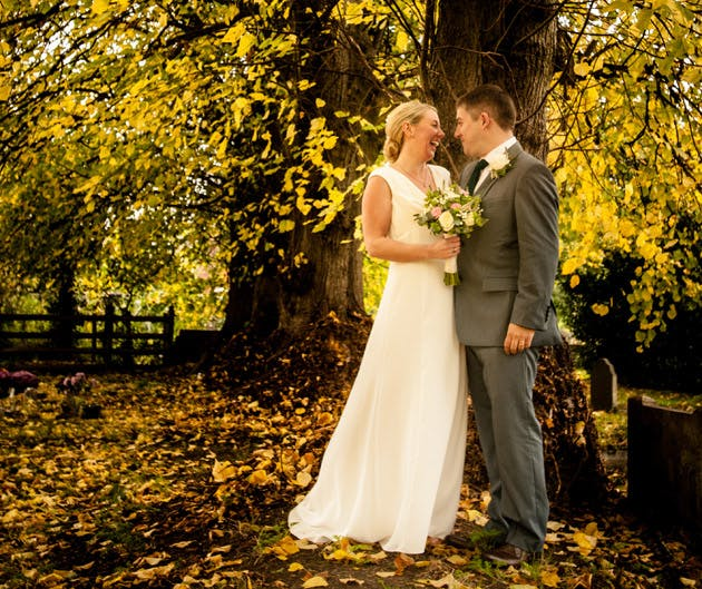 Styling Autumn Wedding |Image courtesy Lisa Gill Photography |Real Wedding Bride and Grooms Autumn Wedding | Confetti.co.uk