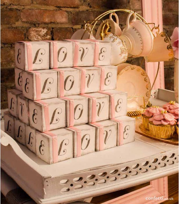 Vintage Wedding Favours | Confetti.co.uk