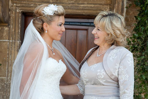 mother-of-the-bride-with-her-daughter