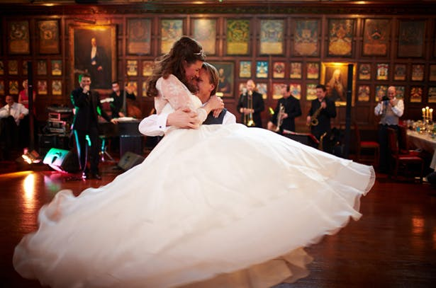 Bride and groom dance to a jazz band   Confetti.co.uk