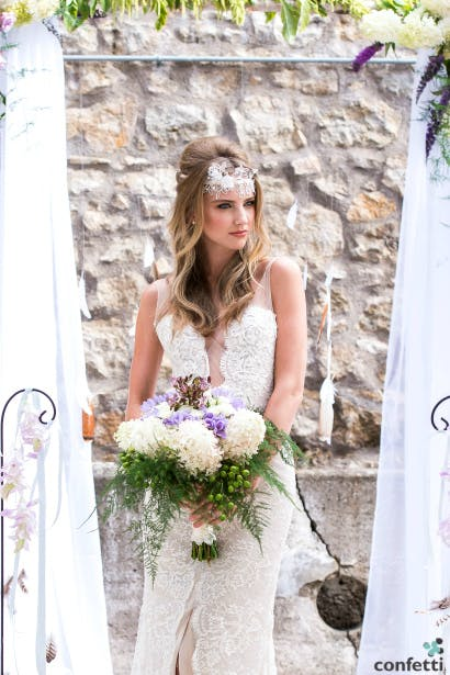 Our Boho beauty bride with a beautiful bouquet.