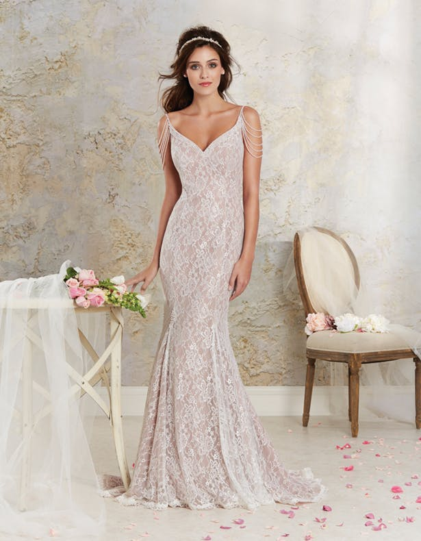 Modern Vintage by Alfred Angelo - Autumn 2015 - Style 8531 | Confetti.co.uk