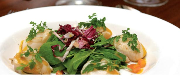 Delight your guests with a fresh salad at Wroxall Abbey | Confetti.co.uk