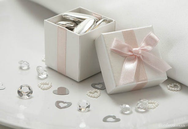 Luxury pale pink ribbon favour box