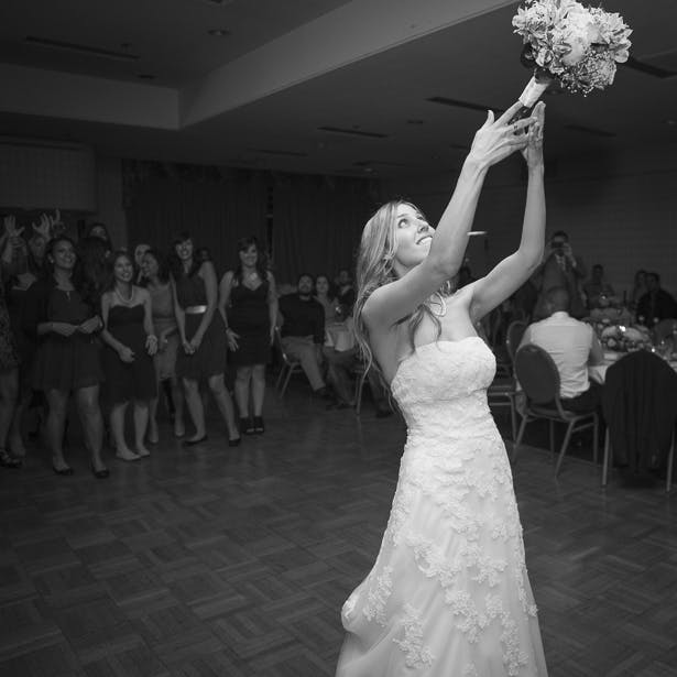 Tossing the Bouquet | Confetti.co.uk
