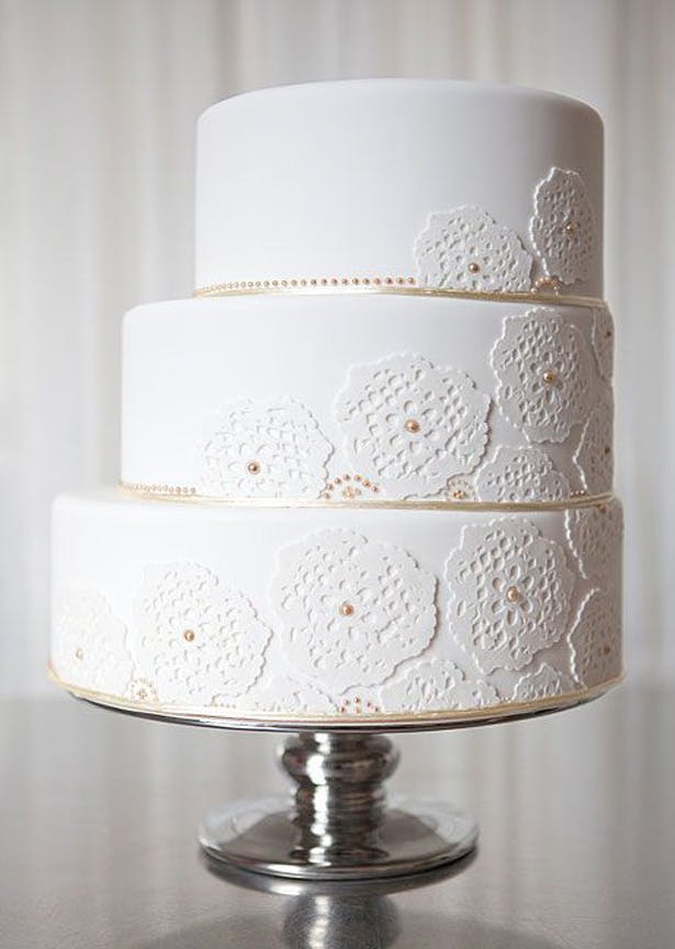 White and Gold Lace Staircase Cake | Confetti.co.uk