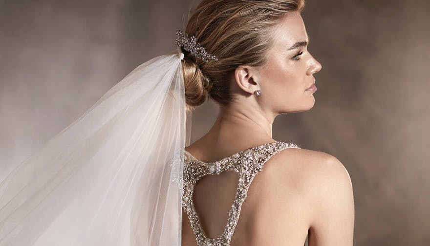 Alexia Mermaid Wedding Dress by Pronovias with Sparkling Hair Clip and V_2007 Veil | Confetti.co.uk