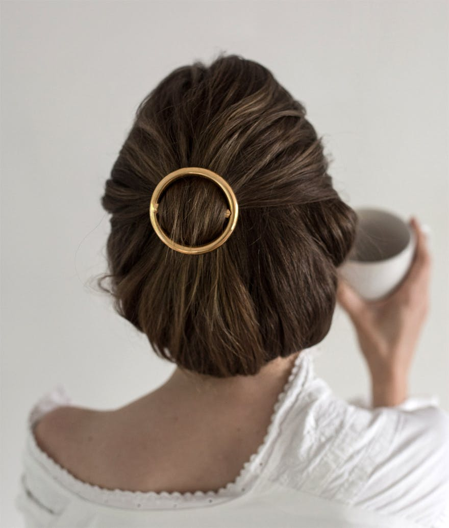 Contemporary Gold Hair Buckle Hairstyle by Emma Elwin on Bloglovin' | Confetti.co.uk