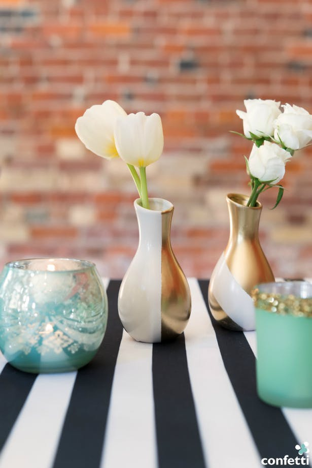 Give our mini decorative favour vases a new look with a spray of gold metallic paint. | Confetti.co.uk