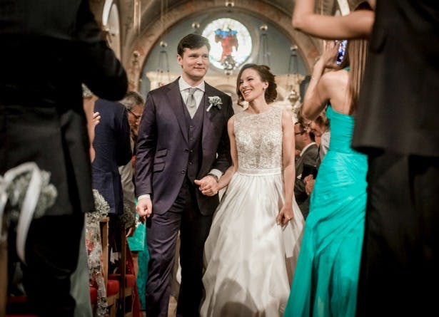 The ceremony at Fernanda and Toby's real wedding | Confetti.co.uk