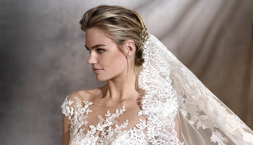 Ornate Lace Veil with Wedding Hairpiece - Veil Style V2877 by Pronovias | Confetti.co.uk