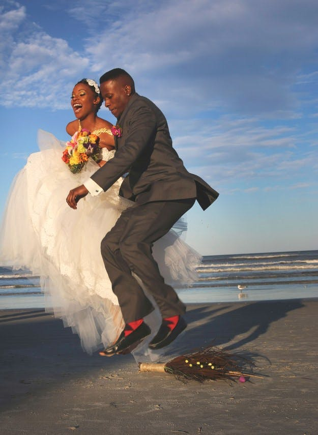 Jumping the broom image courtesy of Pinterest | Confetti.co.uk