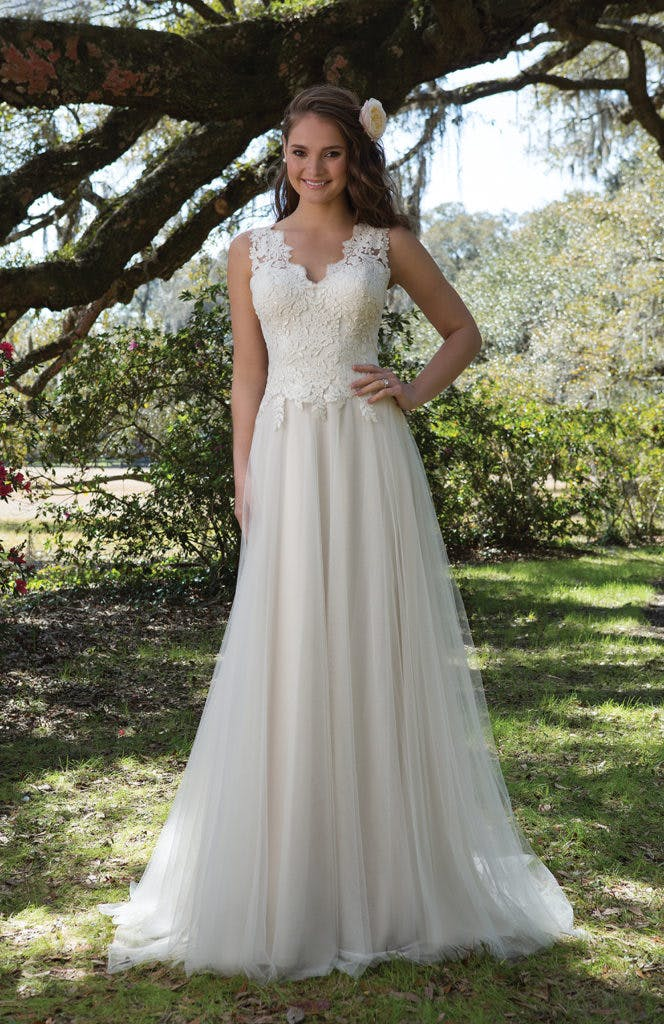 b3295b05ef1 New Sweetheart Wedding Dresses Spring Collection 2017 - Confetti.co.uk