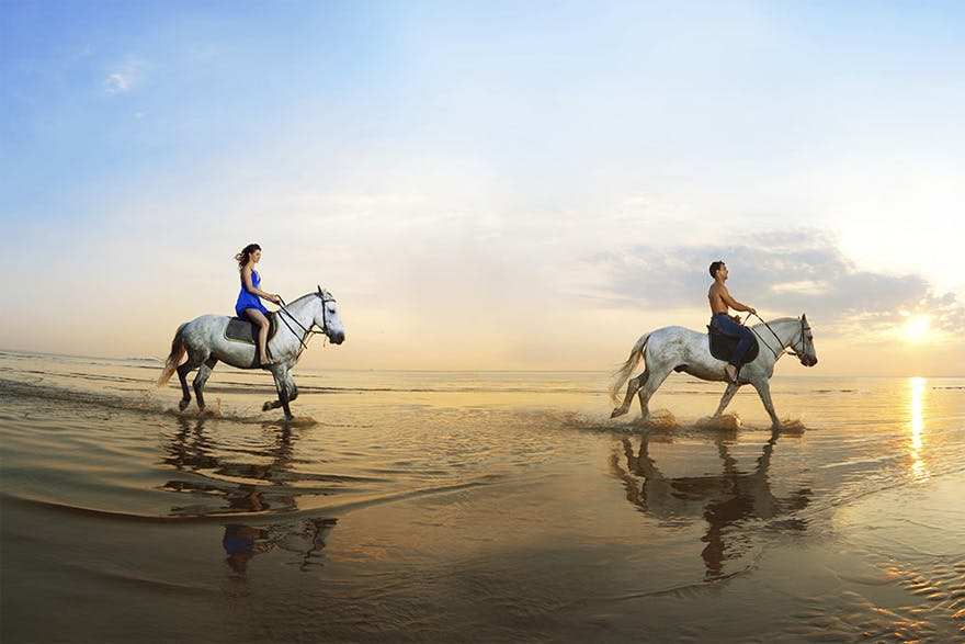 Tinggly Gift Experiences Horse Riding on the Beach Honeymoon | Confetti.co.uk