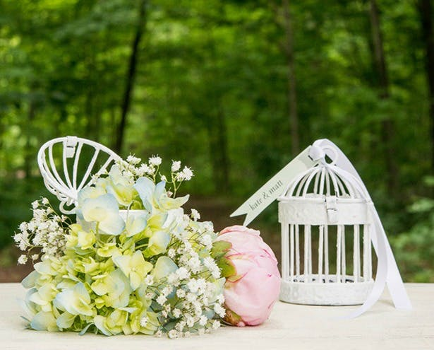 Alternative favours mini birdcages | Confetti.co.uk