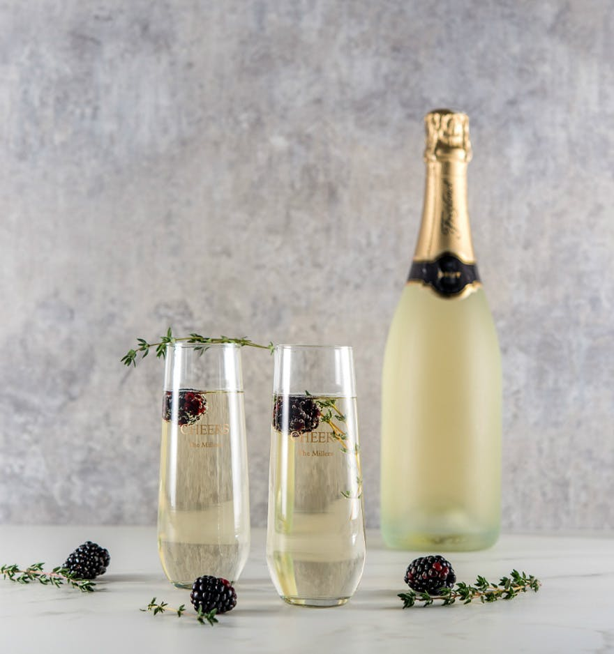 Personalised Stemless Glass Flutes Winter Berries Drink Ideas | Confetti.co.uk