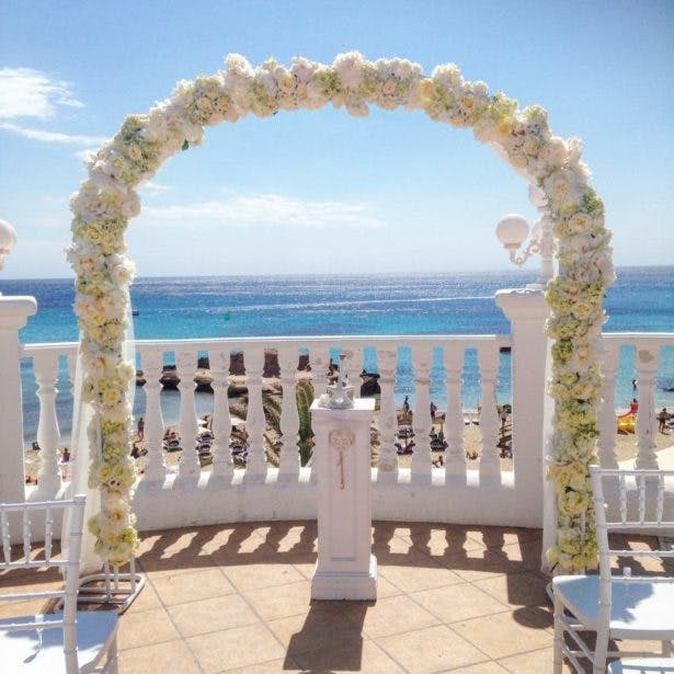 Luxury floral arch by Ibiza Flower Shop | Confetti.co.uk