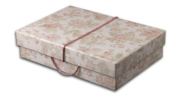 Travel storage box in antique pink | Confetti.co.uk