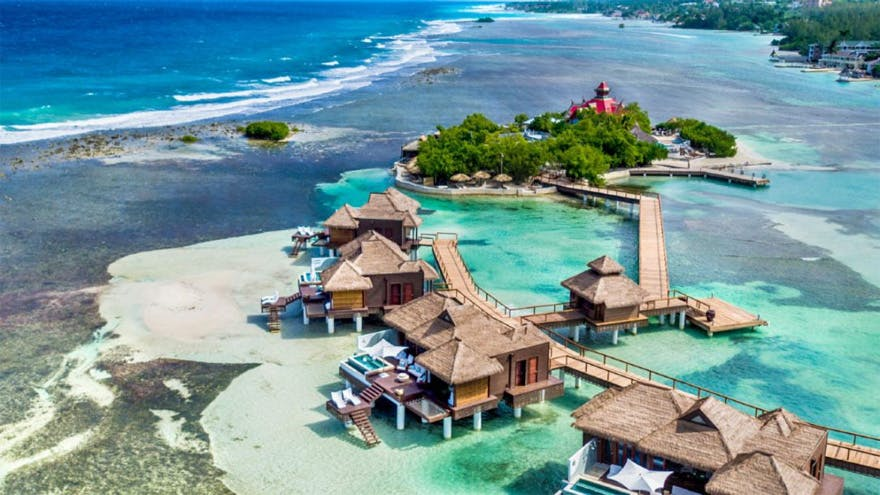 Sandals Royal Caribbean Over-the-Water Suites | Confetti.co.uk