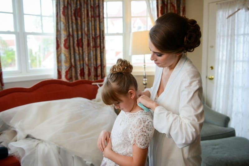 Disney World Bride Getting Ready at Grand Floridan Hotel | Confetti.co.uk