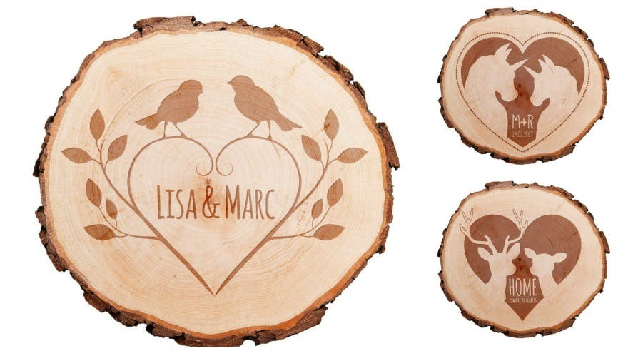 Woodland wedding ideas engraved wood slice | Confetti.co.uk
