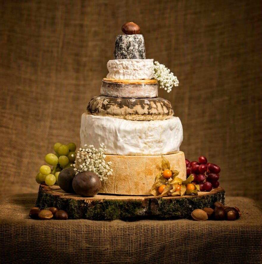 Cheese wedding cakes by the Cotswold Cheese Company | Confetti.co.uk
