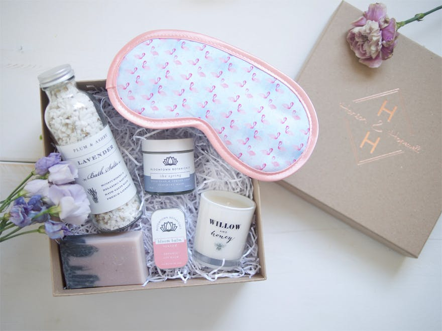 Hanson and Hopewell Pamper bride gift box | Confetti.co.uk