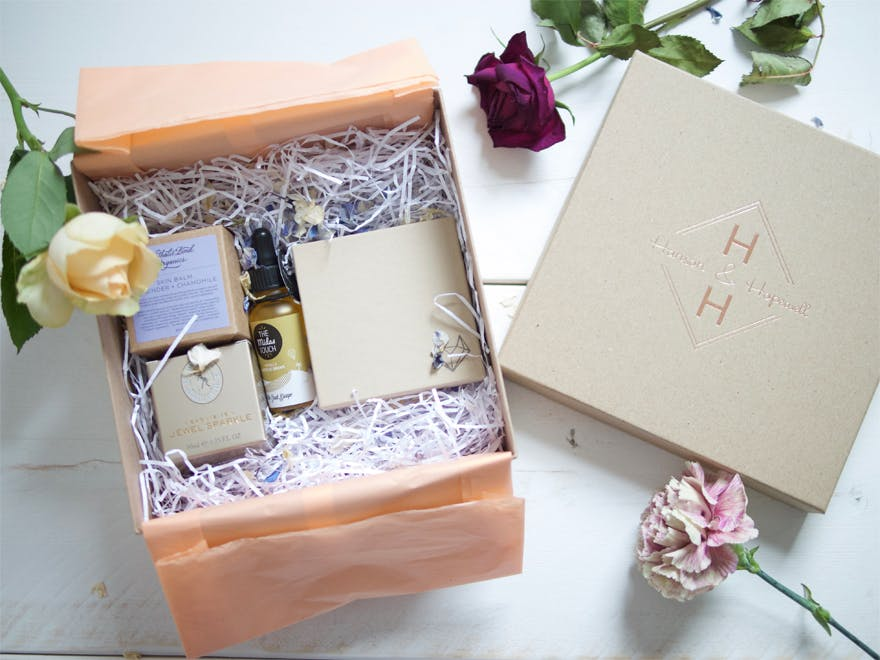 Hanson and Hopewell Sparkler bride-to-be gift box | Confetti.co.uk