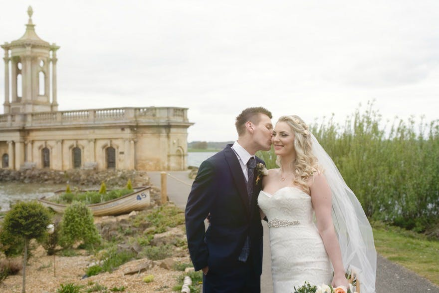 Bride and groom by Amanda Forman Photography | Confetti.co.uk