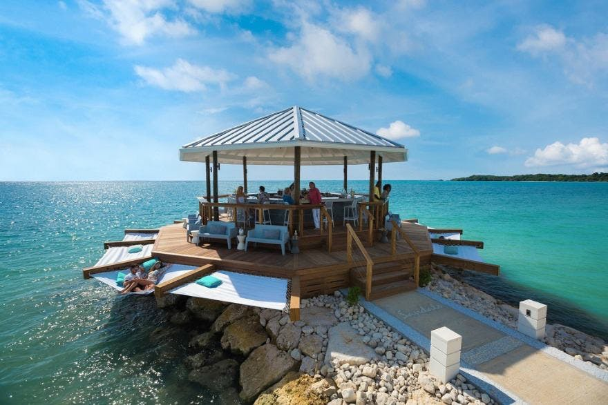 Caribbean Wedding Experience at Sandals | Confetti.co.uk