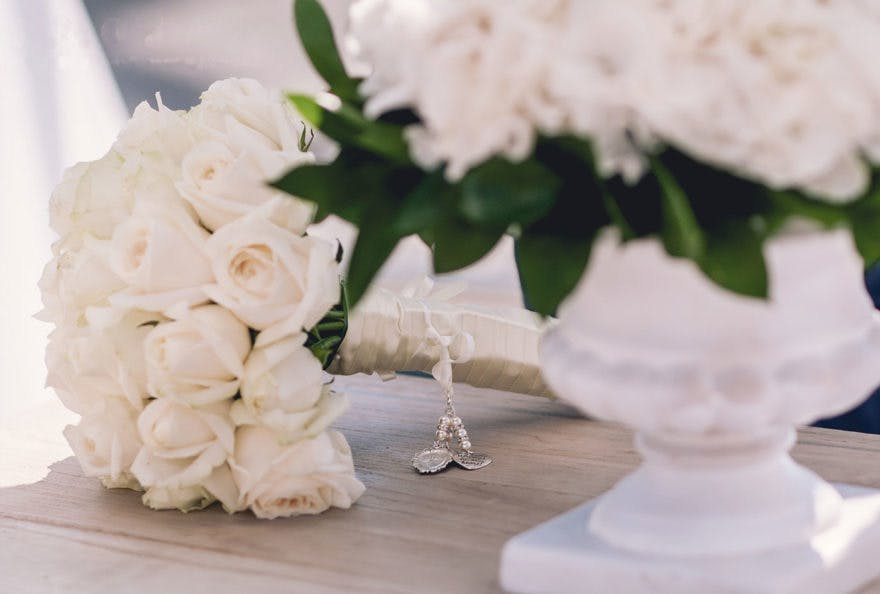 White Rose Bouquet by Greek Dream Planners | Confetti.co.uk