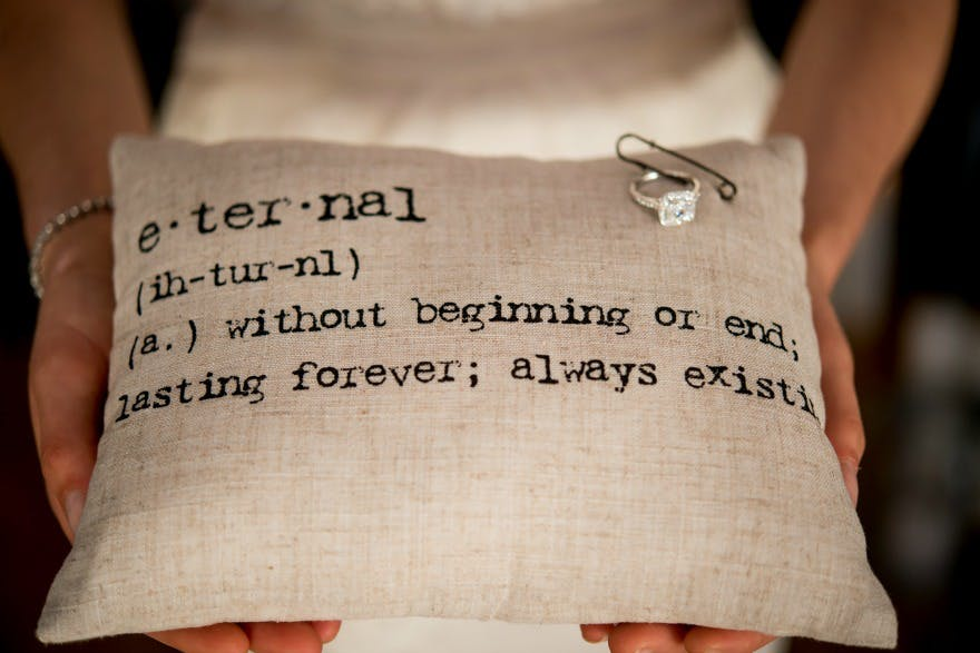 Natural linen ring cushion | Confetti.co.uk
