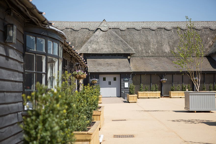 The Channels Estate Thatched Essex Barn by SE Wedding Photography Essex   Confetti.co.uk