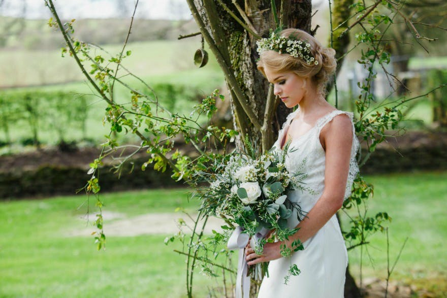 Spring wedding Ideas at the Devonshire Arms Hotel and Spa by Suzy Mitchell | Confetti.co.uk