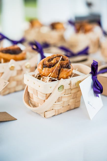 Homemade Baked Edible Wedding Favours in Mini Woven Picnic Baskets | Confetti.co.uk | Confetti.co.uk